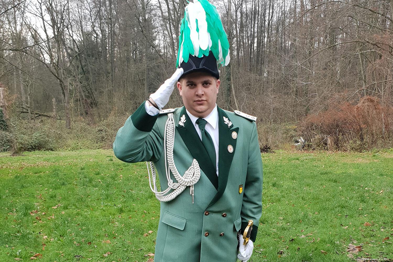 Ein Neuer Hauptmann